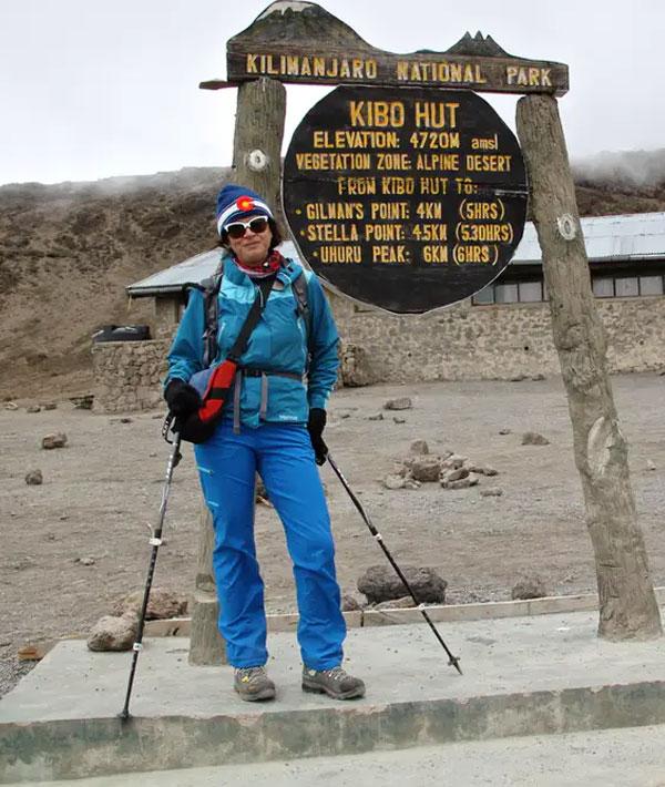Horombo hut – Kibo hut (15,420ft/4700m)
